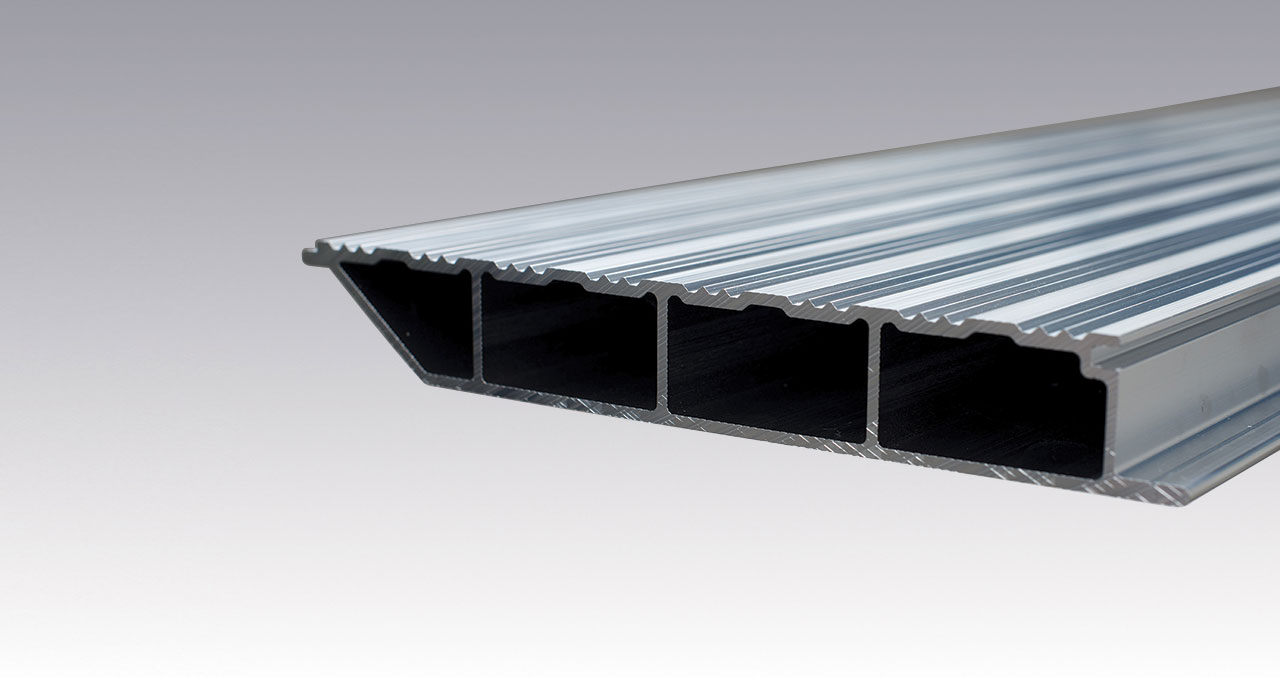 Aluminium profile for commercial vehicles